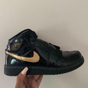 2011 Air Jordan 1 Patent Black/Metallic Gold